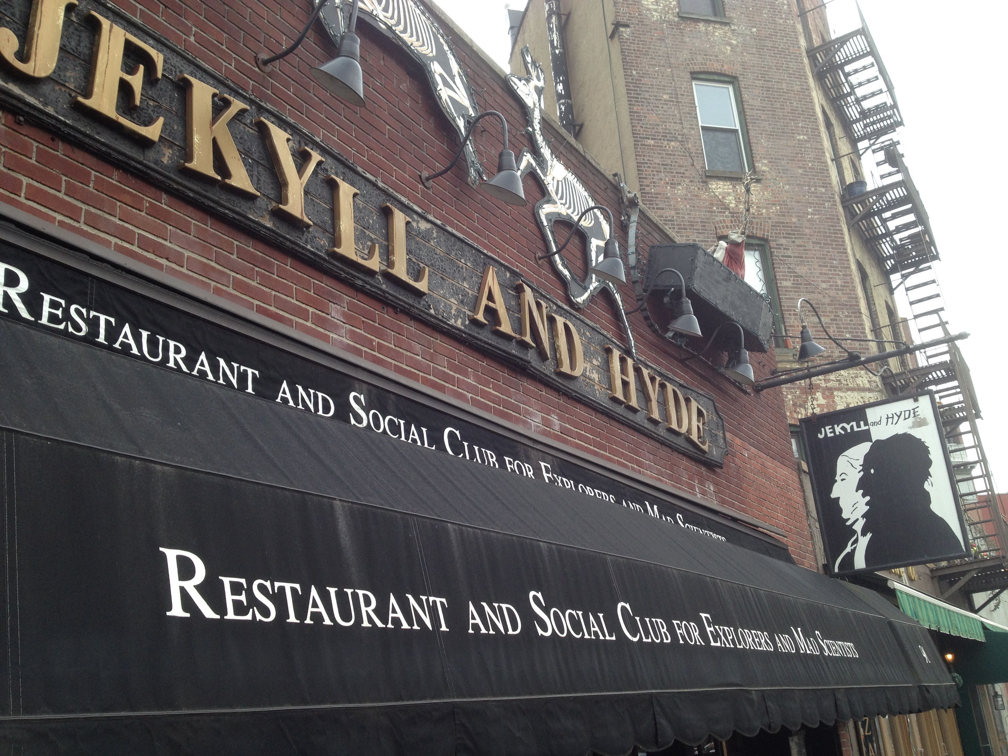 Jekyll and Hyde: restaurant and social club for explorers and mad scientists